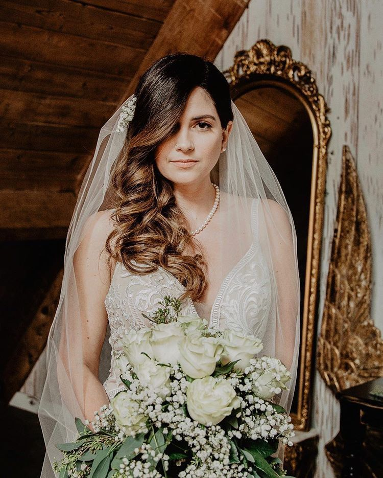 beautiful bride with floral