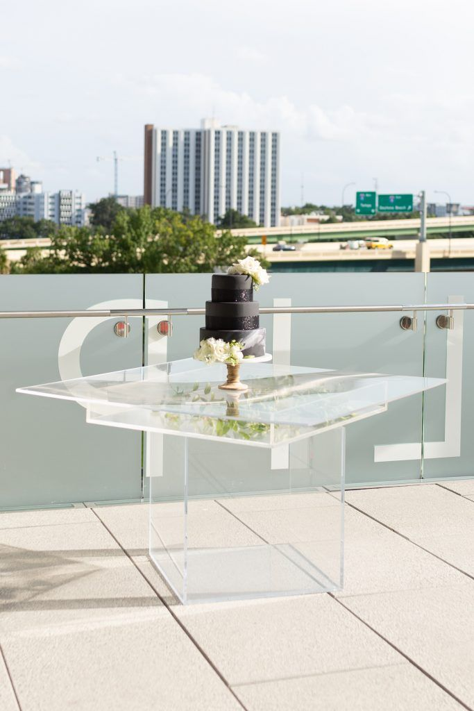 clear glass cake table