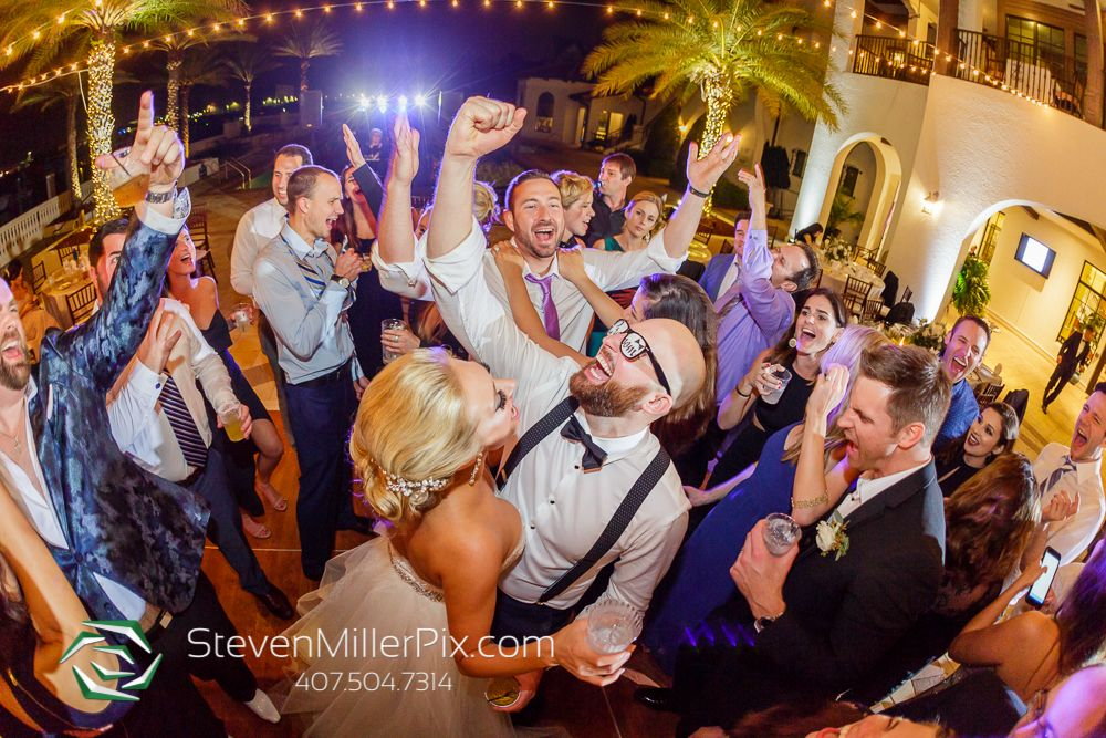 important wedding dj tips tell you how to keep your guests on the floor