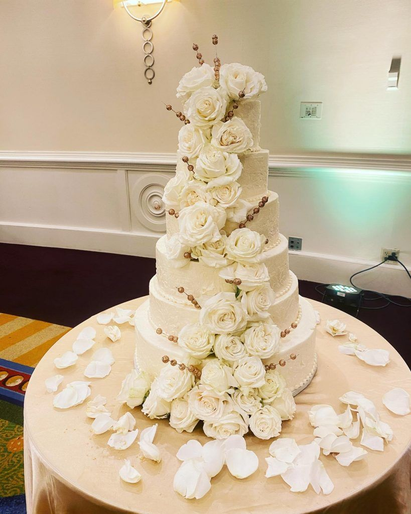 Specializing In Wedding Cakes