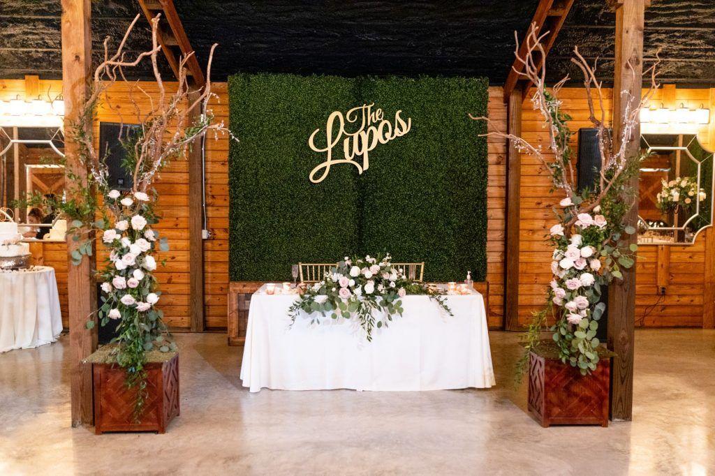 sweetheart table at best Darn Florida Barn Wedding Ever