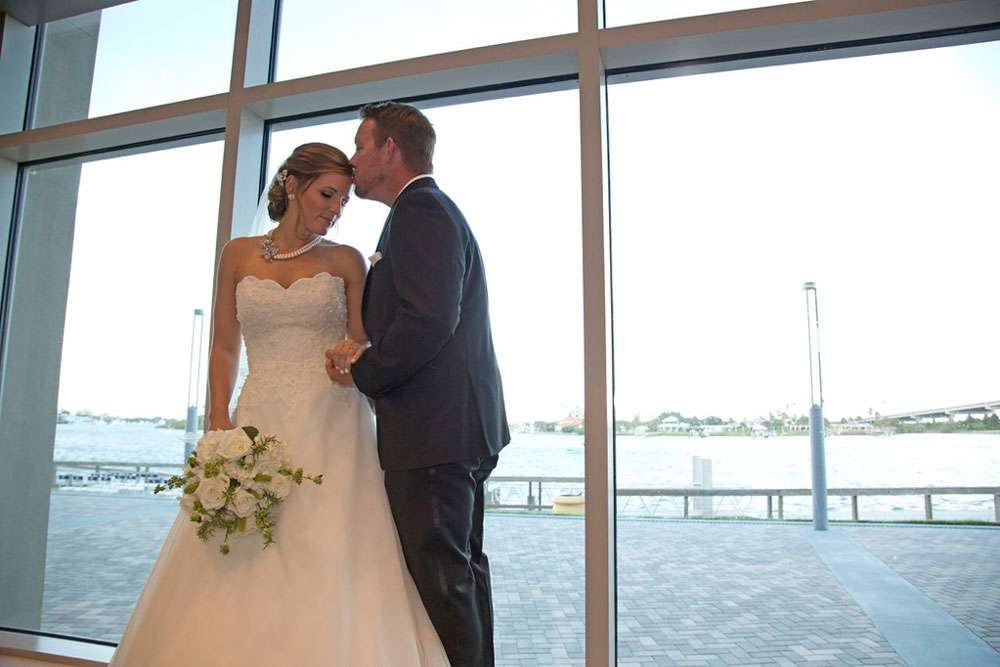 Brannon Center is a Central Florida waterfront wedding venue
